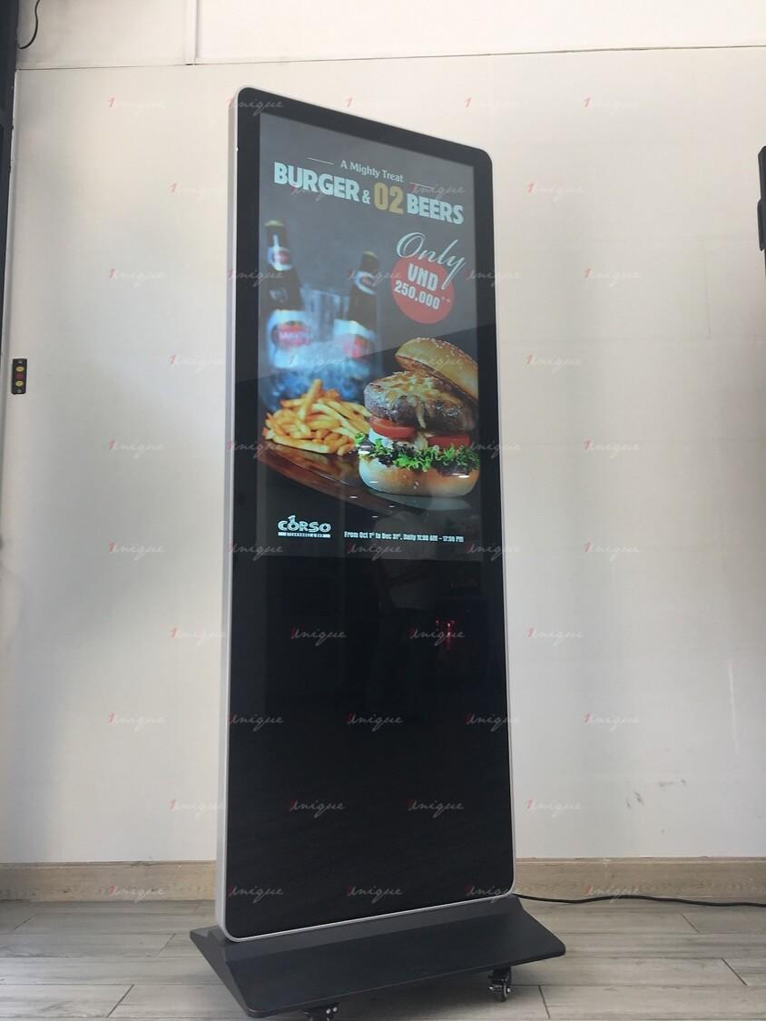 Màn hình LCD chân đứng 32 inch