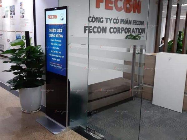 Màn hình LCD chân đứng 49 inch