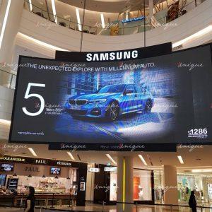 màn hình led cong quảng cáo